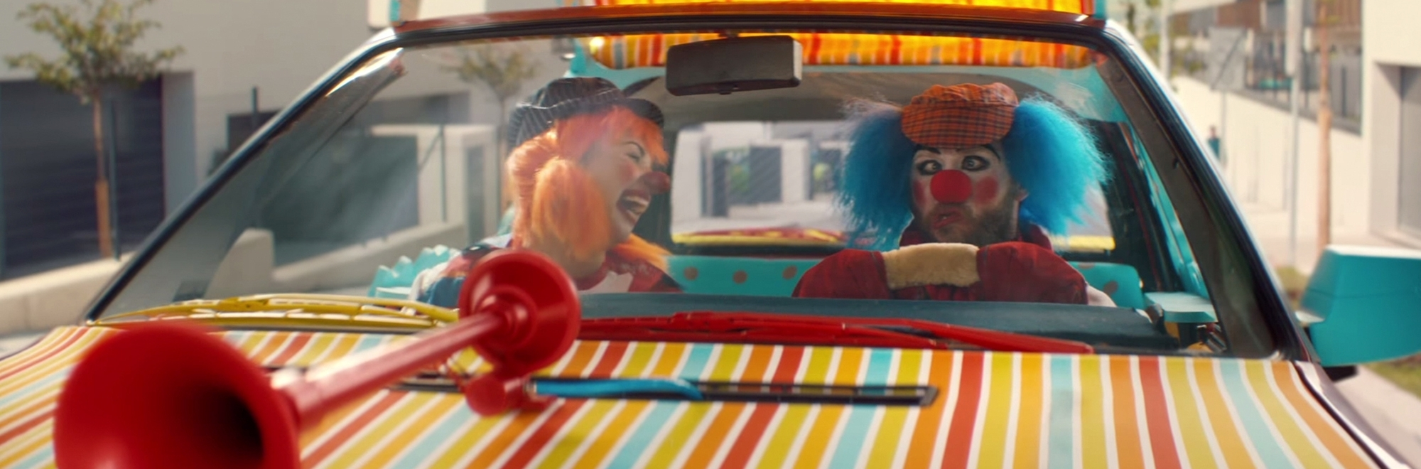 Audi shows how to avoid those clowns on the road