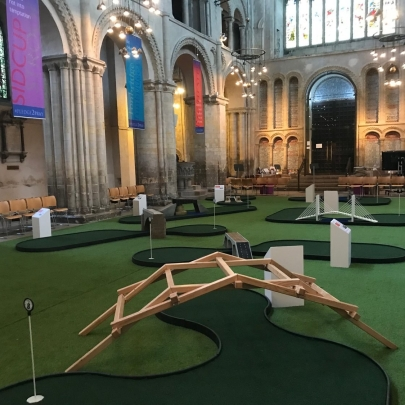 Prayers and Putting: Rochester Cathedral's 'Fairway to heaven' brings families through its doors